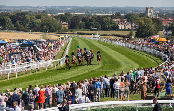 Beverley Races returns without spectators for first time in 330 years image