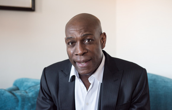 Boxing legend Frank Bruno heading to Hull with mental health message image