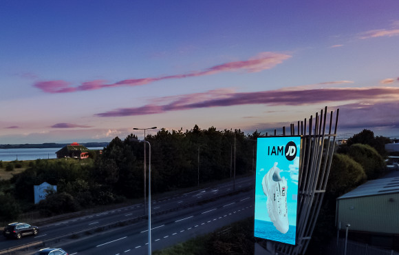 'Iconic' advertising board exceeds all expectations image