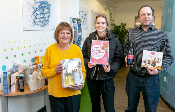 Deep Business Centre collects Christmas gifts for Hull hospice image