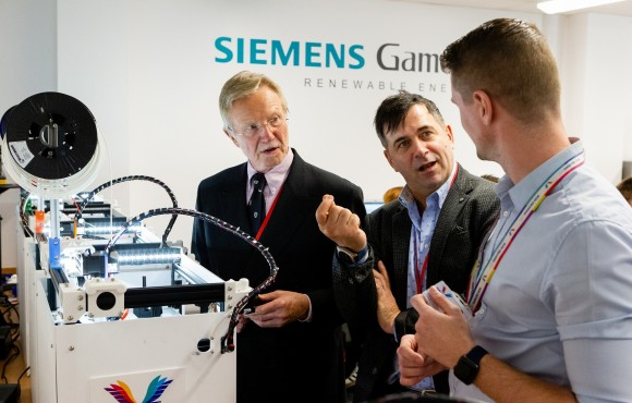 Siemens UK Chief Executive inspires students with exciting vision of future image