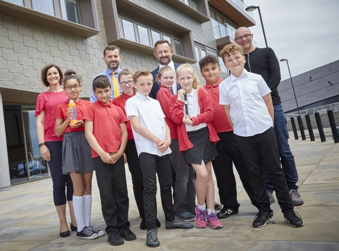 Young entrepreneurs get a taste of the Dragons' Den feature image