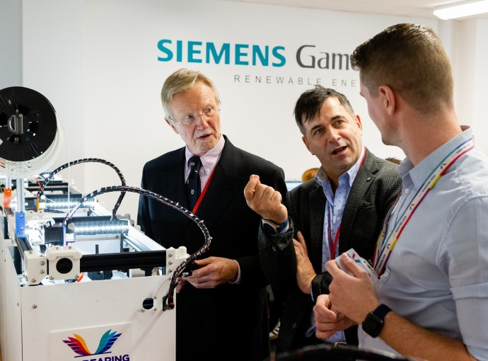Siemens UK Chief Executive inspires students with exciting vision of future feature image